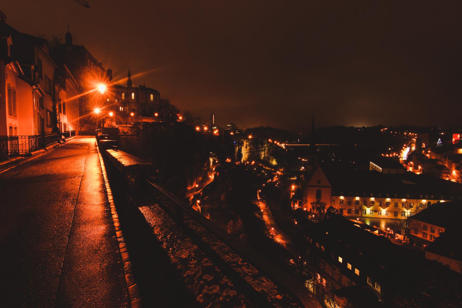 Luxemburg Stadt bei Nacht